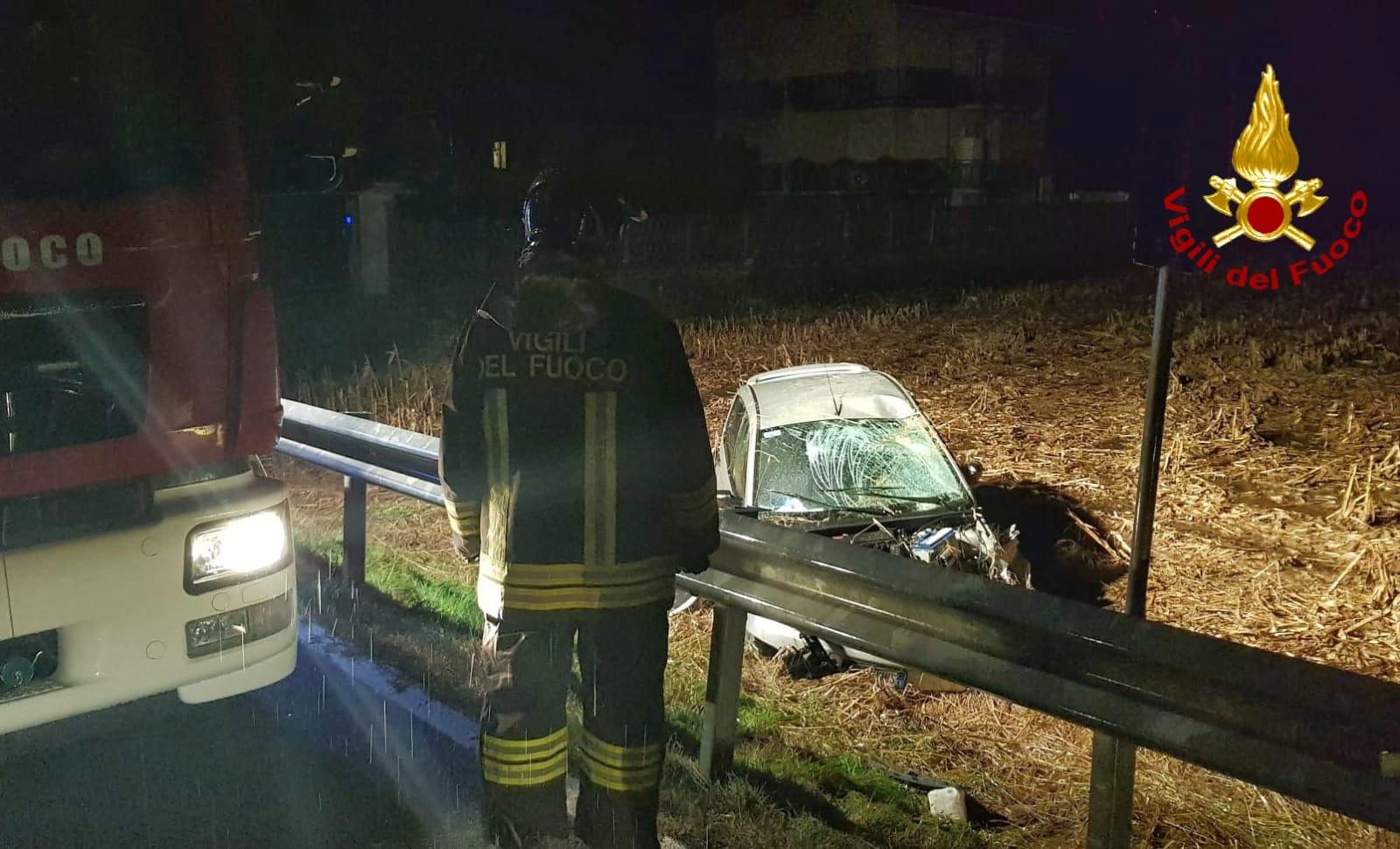 Auto fuoristrada a Mondovì: un ferito lieve trasportato in ospedale