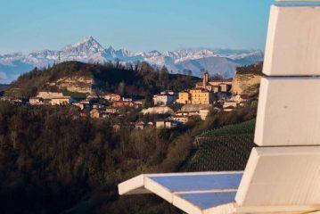 VEZZA D'ALBA – «Il paese resta radicalizzato in vecchia mentalità sul turismo»