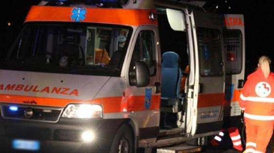 Scende dal bus dopo la scuola e viene travolta: muore a soli 14 anni