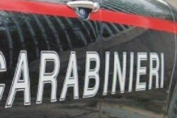 Avevano chiavi alterate e targhe false: denunciati due uomini e una donna a Castagnito