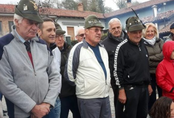 Alpini e i bambini della Scuola dell'Infanzia di Macellai uniti in una grande festa