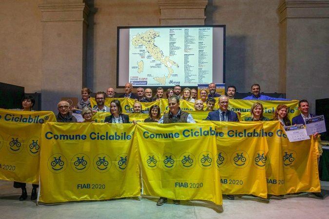 Alba conferma le tre biciclette di ComuniCiclabili®, in attesa della quarta in primavera