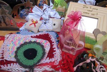 Alba rinnova l'appuntamento natalizio con la Piazzetta della Solidarietà