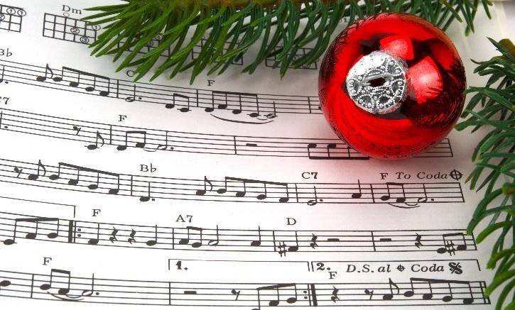 La magia del Natale nel concerto dei ragazzi della Scuola Media Dalla Chiesa