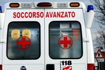 Auto fuori strada a Castiglione Tinella, morta 71enne