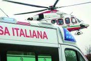 Schianto frontale a Vezza d'Alba, due feriti: arriva anche l'elisoccorso
