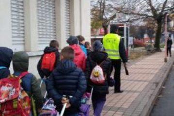 Riparte ad Alba il Piedibus  il modo più sano, sicuro ed ecologico per andare a scuola