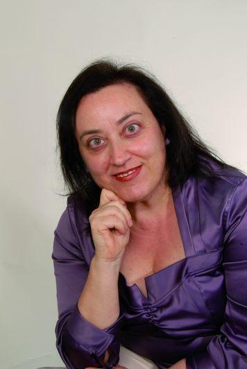 La poetessa braidese Elena Bartone tradotta in spagnolo