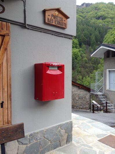 Poste Italiane rifà il look alle cassette postali della Provincia di Cuneo