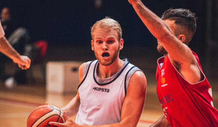 L'Abet Basket cade nella prima giornata, Serravalle più ordinata