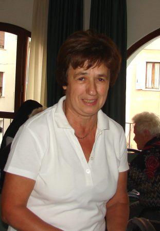 Dogliani: il saluto degli ospiti di San Giuseppe a Paola Gabetti prossima alla pensione