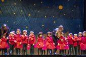 """I bambini dell'asilo Miroglio portano sul palco """"Il Piccolo Principe"""""""
