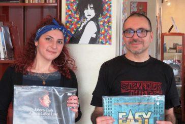 """Colori e dischi: mostra da """"Cuordivinile"""" a Bra"""