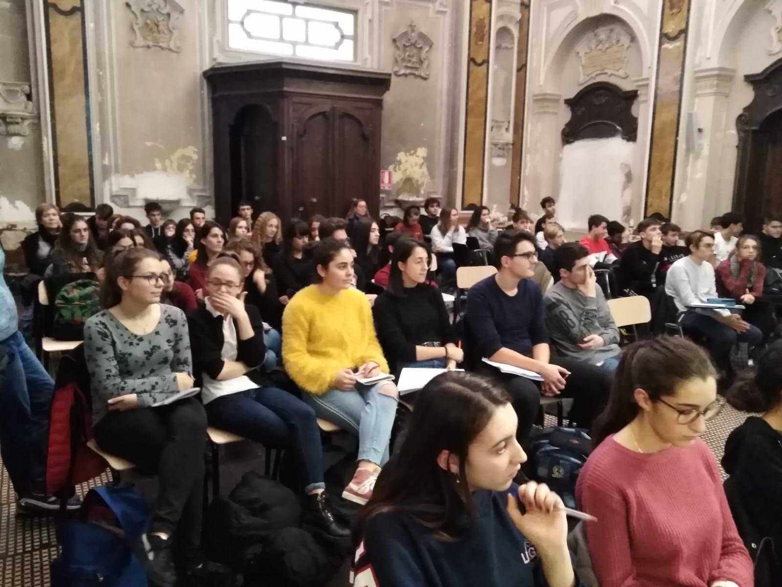 """Un'esperienza """"oltre i muri"""" per gli studenti del Liceo Giolitti-Gandino di Bra"""