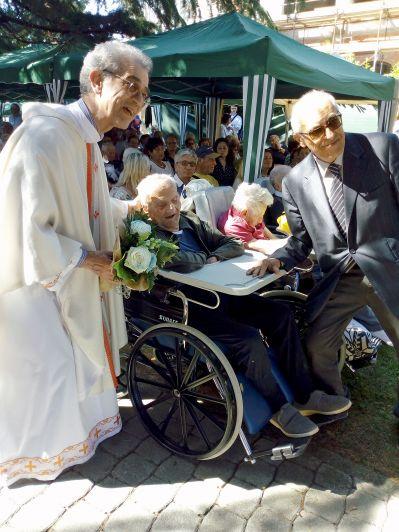 Ultracentenari e coppia da 70 anni alla Festa degli anziani