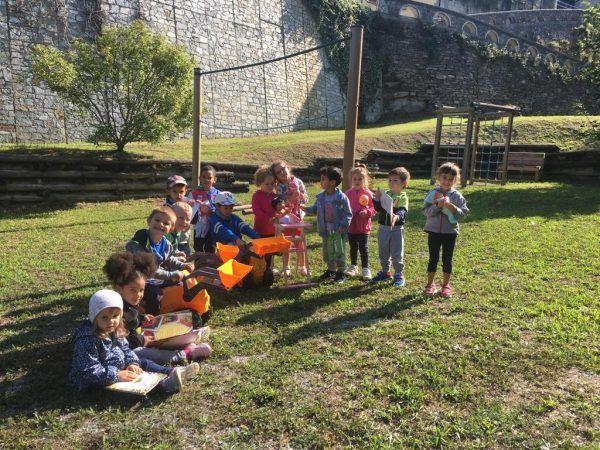 Giocattoli e libri per i bambini della scuola dell'infanzia di Levice