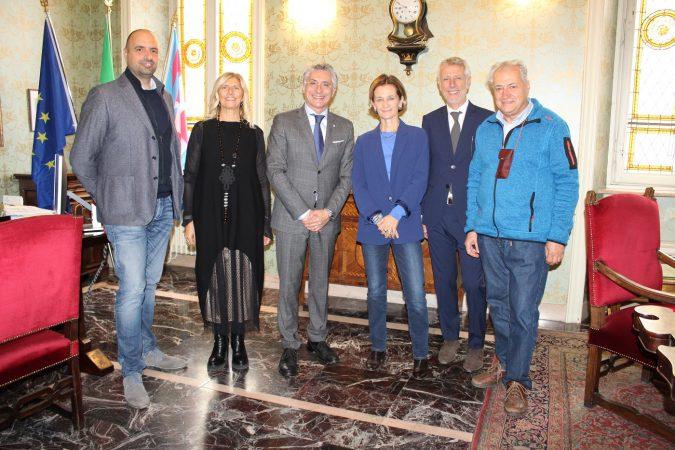 Il sottosegretario Lorenza Bonaccorsi in visita nel distretto turistico di Langhe Monferrato e Roero