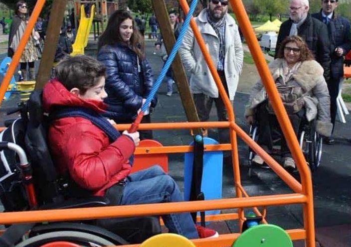 Un nuovo parco giochi «inclusivo» verrà realizzato in piazza Roma