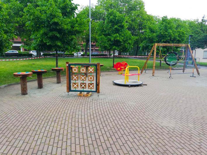 In piazza Roma a Bra si realizza un altro parco giochi inclusivo