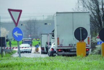 Blocco elettrico ai passaggi a livello: disagi per il traffico automobilistico a Sommariva del Bosco