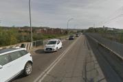 Ponte sul Tanaro: fondo stradale scivoloso causa presenza di insetti