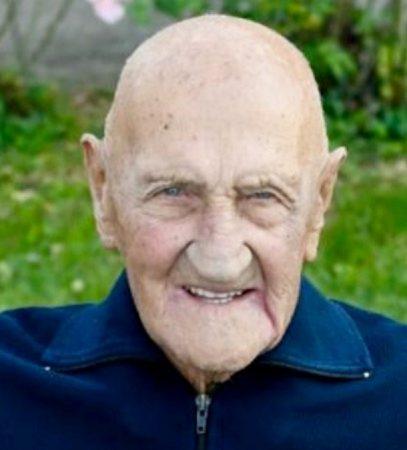 Lutto ad Alba per la morte di nonno «Mino»: aveva 100 anni