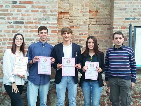 Ben quattro borse di studio ai meritevoli studenti dell'Istituto Guala
