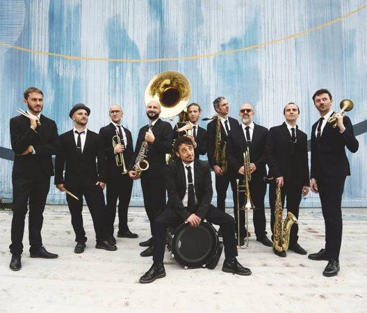 """Concerti e dj set alla zizzola con """"Bra Mon Amour"""""""