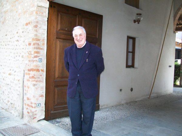 """Don Conterno va """"in pensione"""", a Cherasco arriva don Torterolo"""
