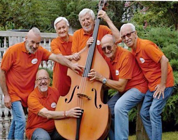 Bra festeggia i nonni con una festa al centro polifunzionale Arpino