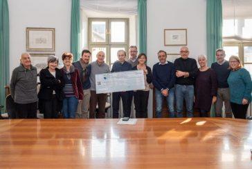 Bra: dal Comitato Oltreferrovia fondi benefici e un defibrillatore