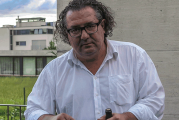 Presso la cantina comunale di La Morra espone Pavel Schmidt