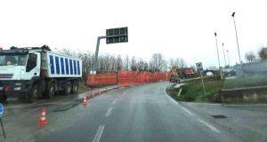 Si fa la strada per il nuovo ospedale: chiude al traffico la Sp 7