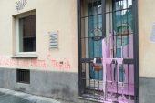 Atto vandalico alla sede albese della coalizione di centrodestra
