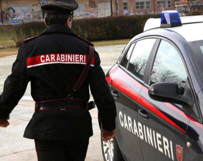 Lite in un bar di Cerro Tanaro: una persona denunciata dai Carabinieri