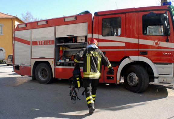Montà, incidente sul lavoro: operaio cade in un pozzetto e viene salvato dai vigili del fuoco