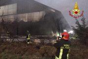 Borgo San Dalmazzo, fiamme in un maneggio: incendio spento dai vigili del fuoco