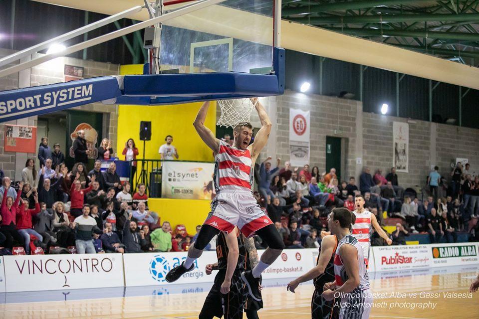 Basket serie B – Vittoria con il brivido per l'Olimpo nel catino bollente del Pala 958