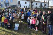 """I 30 alberi del Bosco incantato di """"Notti della Natività"""" ad altrettanti Comuni del territorio"""