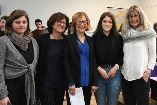 Grazie al Banco Azzoaglio la studentessa di Ceva Beatrice Bove andrà a studiare negli Usa
