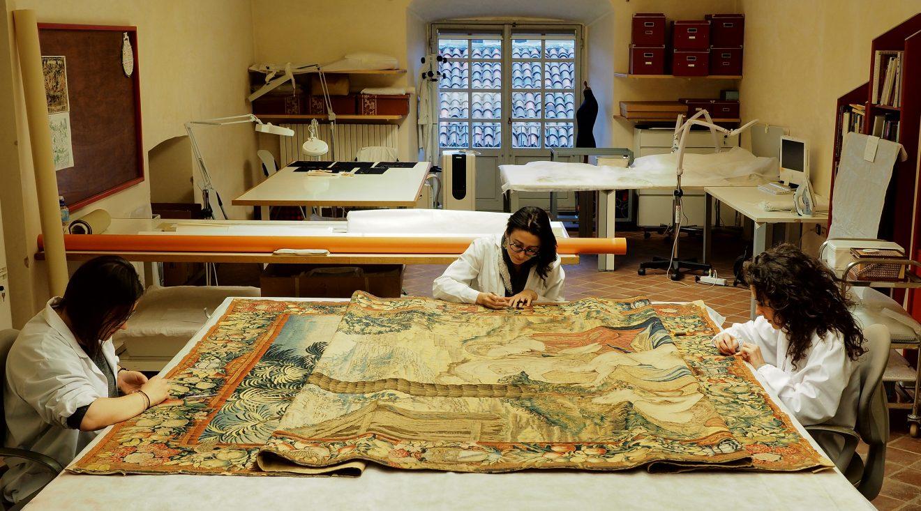 """Dal disegno di Raffaello al restauro, l'affascinante storia della """"Madonna del Divino Amore"""""""