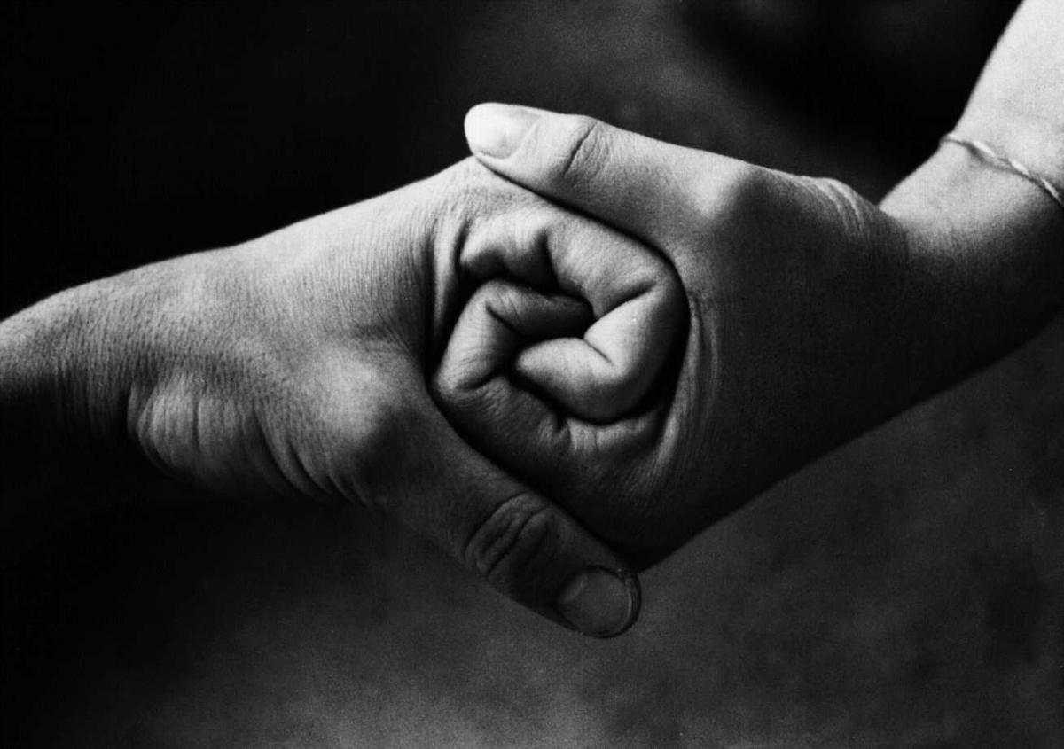A Bra un gesto di solidarietà si fa spazio tra gli egoismi della società moderna