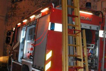Incendio alle prime ore dell'alba in un'abitazione a Cervere