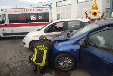 Incidente questa mattina a Cuneo incolumi i conducenti