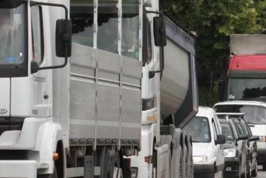 Maggiori controlli sul transito dei mezzi pesanti lungo la strada provinciale 7 verso Verduno