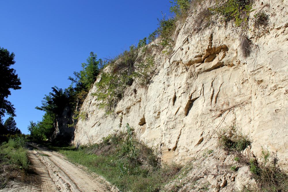 Monteu Roero: un progetto per creare una «passeggiata» turistica sulle rocche
