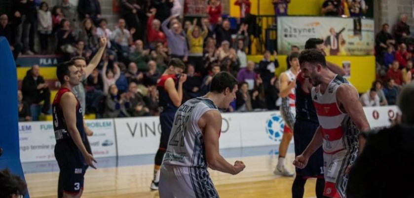 Basket Serie B – Serata magica: Alba supera la capolista Omegna, tripudio biancorosso al Pala 958!