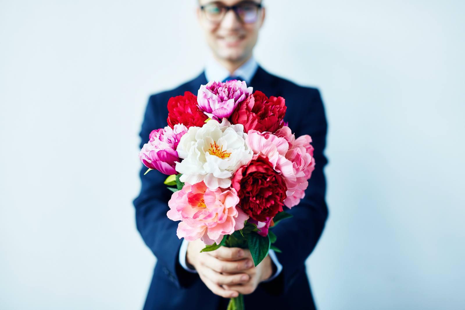 """La tendenza per San Valentino 2020: in flessione le prenotazioni di """"rose rosse"""" a favore di fiori stagionali."""
