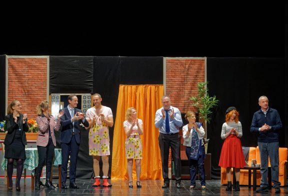 Penultimo spettacolo della rassegna Monforteatro, the pasticcini e arte!