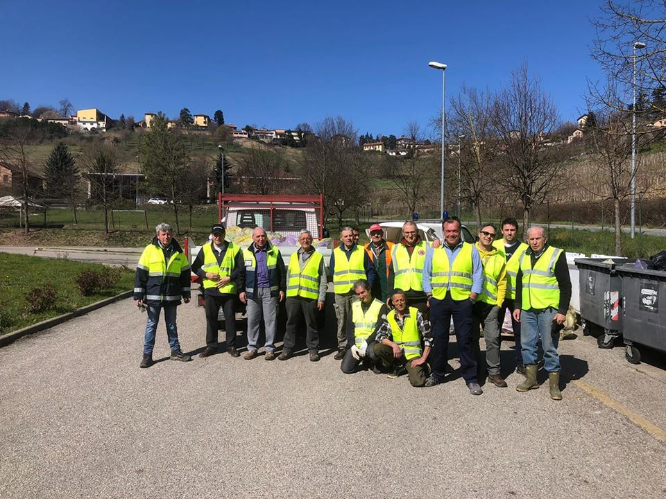 Govone: volontari al lavoro per pulire il paese